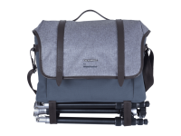 ACCESSORIES_Olympus_Explorer_Bag_Manfrotto_Tripod__Product_000